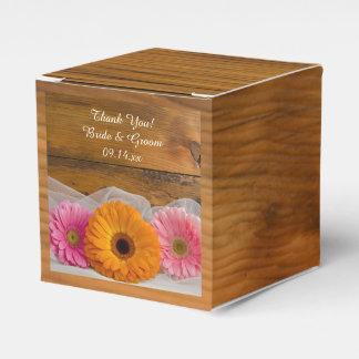 Faux Barn Wood Daisy Trio Barn Wedding Favour Box