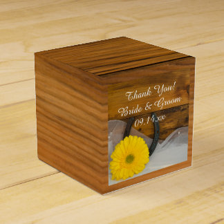 Faux Barn Wood Yellow Daisy and Horseshoe Wedding Favour Box