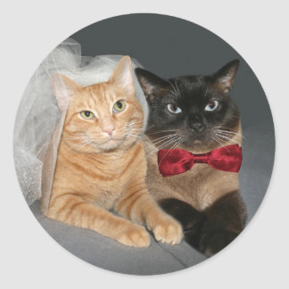 Feline Bride and Groom Round Sticker