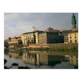 Firenze Houses on the banks of the Arno Postcard