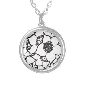 flower pendant necklase