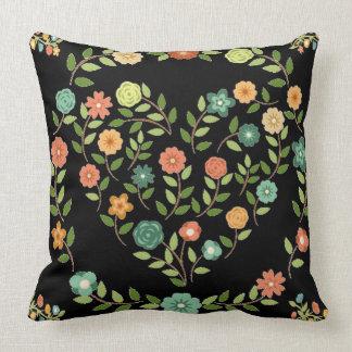 flowery heart almofada cushions