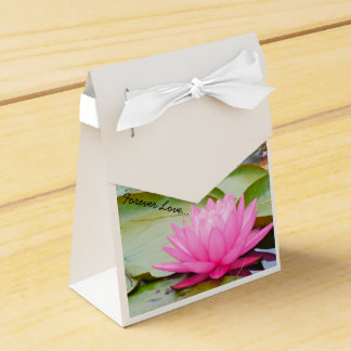 Forever Love Wedding Favors.... Favour Box
