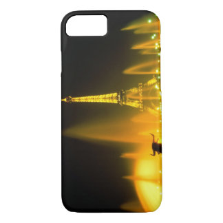 Fountain at the world famous Eiffel Tower Paris iPhone 8/7 Case