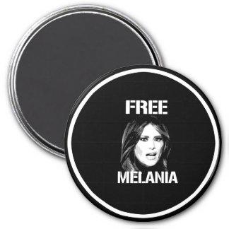 FREE MELANIA - WHITE - MAGNET