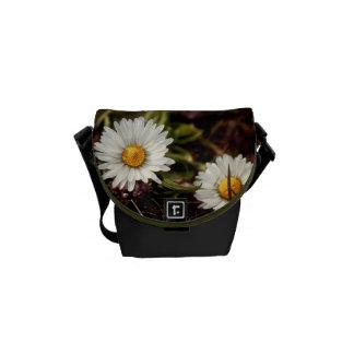 Fresh Daisy flowers Mini Messenger Commuter Bag