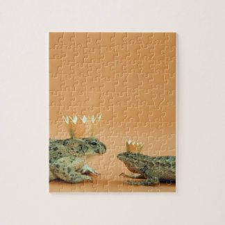 Frog and lizard wearing crowns jigsaw puzzle