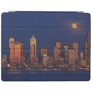 Full moon rising over downtown Seattle skyline iPad Cover