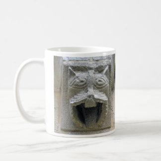 Gargoyle cat-tongue mug