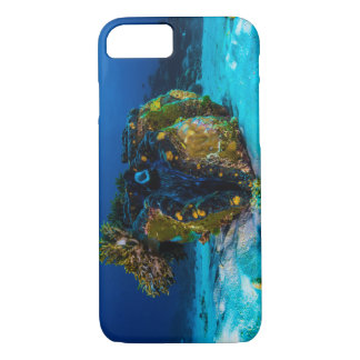 Giant Clam on the Great Barrier Reef iPhone 7 Case