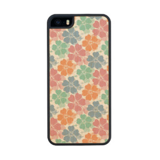 Girly Spring Pastels Hibiscus Pattern Carved® Maple iPhone 5 Case