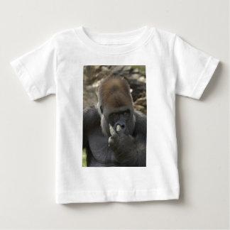gorilla picking his nose - eeeewwwwwwww! baby T-Shirt