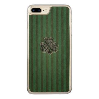 Green grundge trendy Irish lucky shamrock Carved iPhone 7 Plus Case