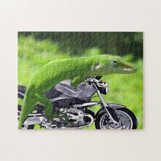 Green Hawaiian Gecko Rider Puzzle