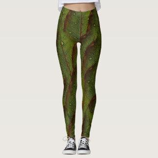 GREEN LEAVES ON LEGGINGS