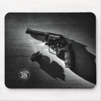 Gun Mouse Pad