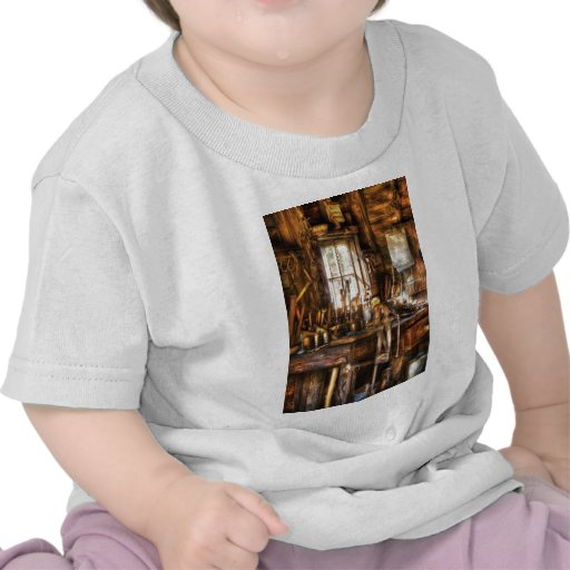 Handyman - Messy Workbench T-shirt