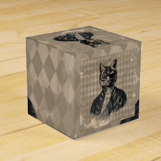 Harlequin Cat Grunge Favour Box