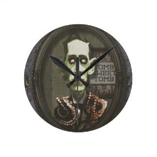Haunted Zombie HP Lovecraft Clock