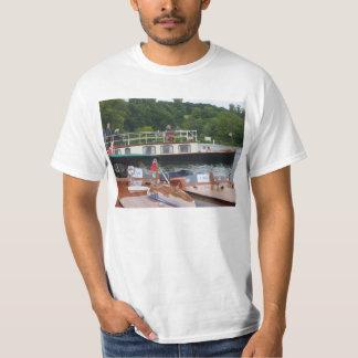 Henley on Thames Classical boat regatta 1 T-shirts