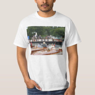 Henley on Thames Steam yacht on the Thames T-shirt