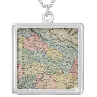 Hindoostan 5 silver plated necklace