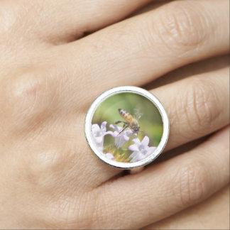 Honeybee Flowers Round Ring