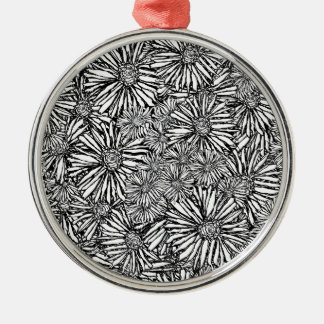 horror-vacui_2.jpg Silver-Colored round decoration