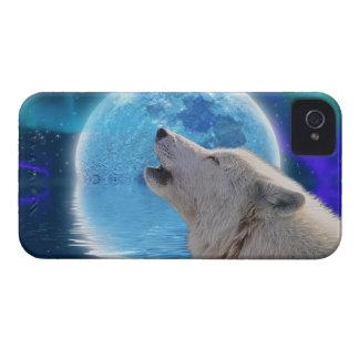 Howling Arctic Wolf & Moon Art Blackberry Case