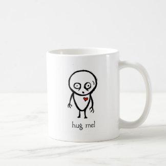hug me basic white mug