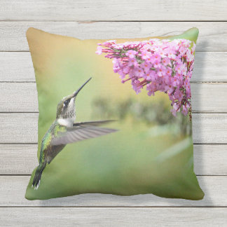 Hummingbird 5053 throw pillow