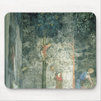 Hunting dogs and men climbing a tree mouse pad