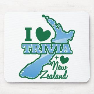 I love TRIVIA an I Love New Zealand! Mouse Pad