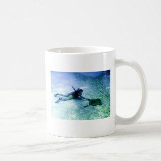 _imagem_vit_raia_produto basic white mug