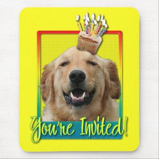 Invitation Cupcake - Golden Retriever - Mickey Mouse Pad