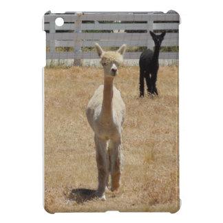 ipad mini: Two alpacas iPad Mini Cover