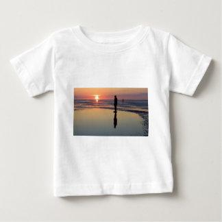 Iron Men at Sunset, Crosby, Liverpool UK Tee Shirts