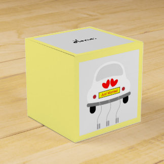 """""""Just Married"""" Car Wedding Favour Box"""