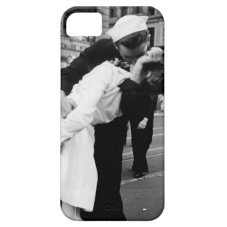 Kissing the War Goodbye at Times Square iPhone 5 Case