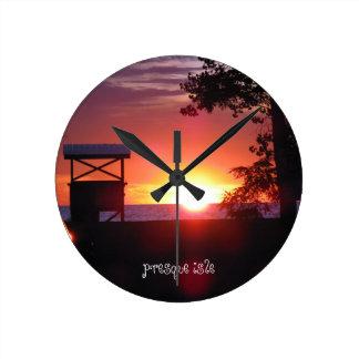 Lake Erie Presque Isle Round Clock