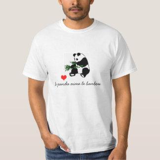 Le panda aime le bambou. T-Shirt