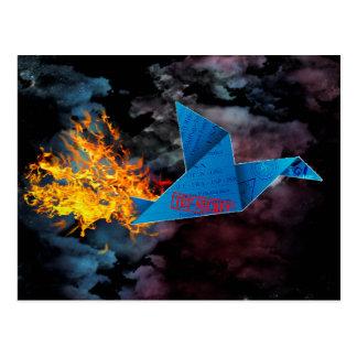 love bird to fly in the sky on fire tarjeta postal