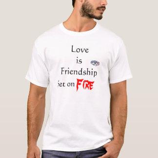 Love is Friendship, Set o... T-Shirt
