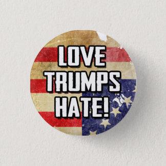 Love Trumps Hate 3 Cm Round Badge
