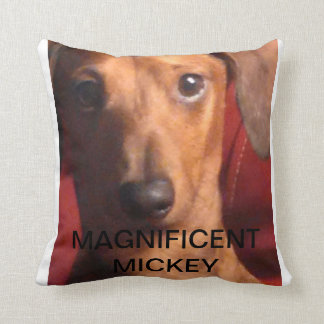 MAGNIFICENT MICKEY PILLOW