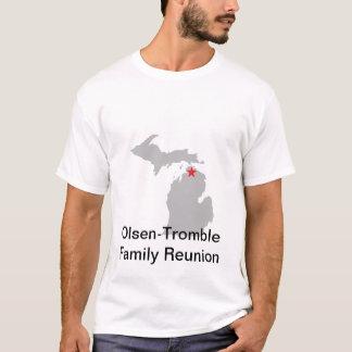 Man's white tee shirt