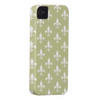 Matt Gold & White Fleur De Lis Pattern iPhone 4 Cover