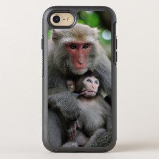 Monkey Breast Feeding Her Baby OtterBox Symmetry iPhone 8/7 Case