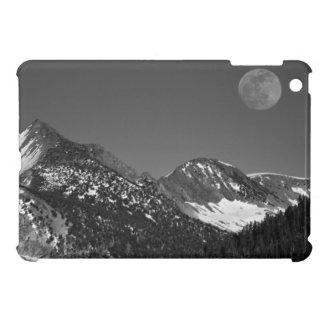 Moonrise, Sierra-Nevada, Glacier Point Vista iPad Mini Cover