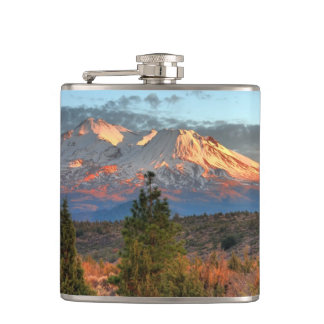 MOUNT SHASTA IN THE AFTERNOON HIP FLASK